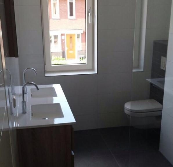 Nieuwbouwwoning Badkamer + Toilet
